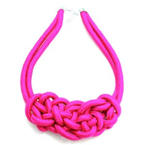 necklace_knot_pink500